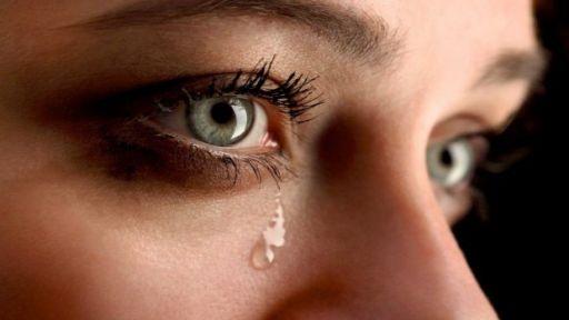 Pagrindinės akių ašarojimo priežastys
