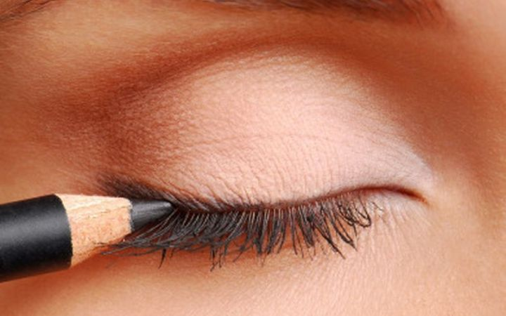 Akių makiažo poveikis mūsų regėjimui