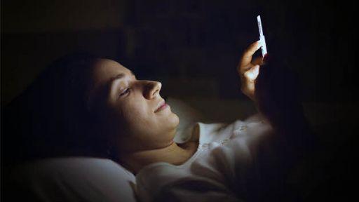 Kaip taisyklingai pailsinti akis nakties metu?
