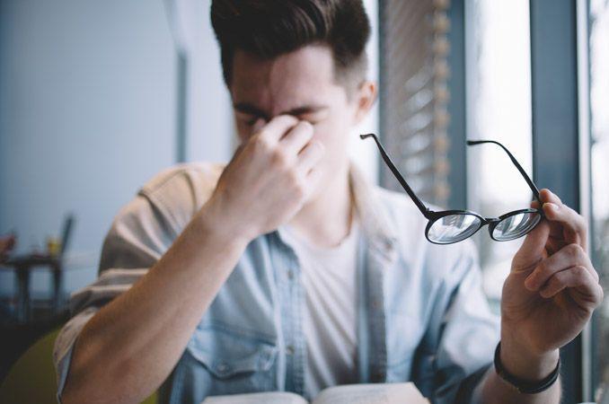 Astigmatizmas: priežastys, simptomai ir gydymo būdai