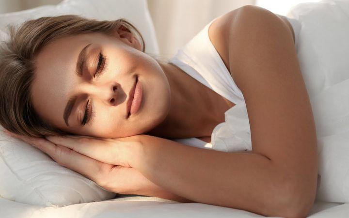 Ką veikia mūsų akys, kai miegame?